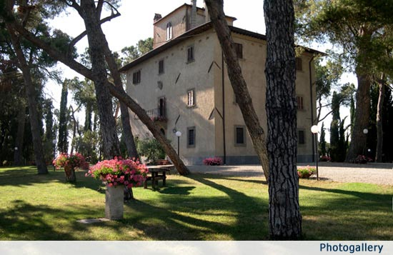 Tuscan Wedding Villa & Apartments near Cortona